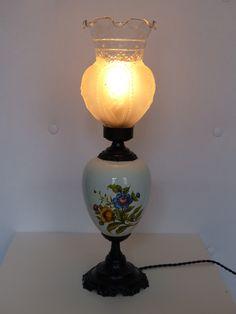 Lampe Chinoise En Porcelaine Avec Abat Jour Et Son Socle En Bois