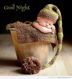 Beautiful Babies Pictures Love wood floor to black background Good Night Greetings, Good Night Messages, Good Night Quotes, Cute Little Baby, Little Babies, Cute Babies, Anne Geddes, Beautiful Baby Pictures, Beautiful Babies