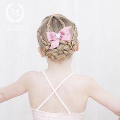Dance Class, Braids, Bows, Hair Styles, Instagram Posts, Ios App, Beautiful, Fashion, Hairdos
