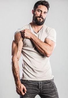 33 trending beard styles for men 4 – coiffures et barbe hommes Trending Beard Styles, Beard Styles For Men, Hair And Beard Styles, Fitness Gym, Mens Fitness, Fitness Motivation, Bodybuilder, Fitness Bodybuilding, Bodybuilding Supplements