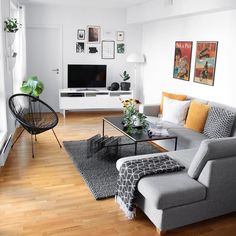 A Guide to Modern Apartment Decor For Living Room - fancyhomedecors Small Living Room Decor, Home, Apartment Interior, Living Room Decor Apartment, Apartment Living Room, Apartment Decor, Room Decor, Home Interior Design, Home And Living