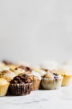This Basic Muffin Recipe is anything but basic. This recipe is foolproof, with nearly unlimited variations from blueberry to cornmeal to gluten free & vegan Broma Bakery, Cinnamon Oatmeal, Soften Cream Cheese, Muffin Recipes, Cupcake Recipes, Brunch Recipes, Cakes And More, Cupcake Cakes, Cupcakes