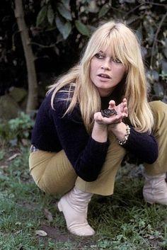 Brigitte Bardot with a frog