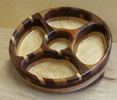 Handmade wooden lazy susan serving trays by DakotaWorkshop on Etsy Wooden Platters, Wood Tray, Diy Cutting Board, Wood Cutting Boards, Wooden Gifts, Handmade Wooden, Dry Fruit Box, Spice Organization, Wood Spoon