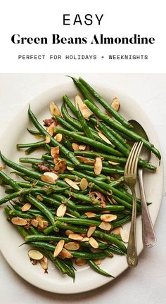 This recipe for green beans almondine combines tender crisp green beans with caramelized shallots, sliced almonds and fresh parsley. It's a delicious side dish simple enough for a weeknight dinner, but fancy enough for a holiday meal! Healthy Thanksgiving Recipes, Good Healthy Recipes, Paleo Recipes, Holiday Recipes, Green Beans With Shallots, Green Beans Almondine, Caramelized Shallots, Green Bean Recipes, Bird Food