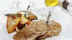 BIFES A LA PLANCHA CON VERDURAS Tapas, Steak, Beef, Chicken, Food, Flat Iron Steak, Vegetables, Cooking Recipes, Dishes