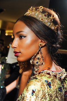 Russian traditional style. Russian style in fashion. Dolce and Gabbana Fall 2013