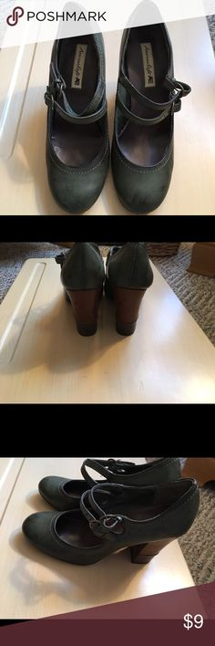 Olive green heels Hardly worn olive green heels. 10 day sale and will be donated if not sold by 11/20. Sold as is and price is firm. Nonsmoking home. American Eagle by Payless Shoes Heels