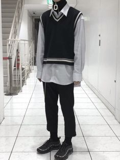 Japanese Street Fashion, Korean Fashion, Mens Fashion, Fashion Outfits, Aesthetic Shirts, Aesthetic Clothes, Retro Outfits, Cool Outfits, Outfits Hombre