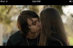 Felix kissing Ellen - ugh - can't stand Ellen but LOOOOOOVE Felix :D