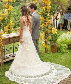 Linda inspiração!!! Amo demais casamento a tarde! #casamento #wedding #noivos #casandoaoarlivre #casandonocampo #bride #casamento #casamentodossonhos #casei #diva #luademel #madrinha #noiva #noivadiva #noivasdesergipe #noivei #penteadodenoiva #sonho #vestidodenoiva #wedding