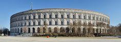 Kongresshalle del Campo Zeppelin en Nüremberg (Alemania, 1935-45. Inconcluso). Ludwig Ruff (Alemania, 1878-1934). Franz Ruff (Alemania, 1906-1979).