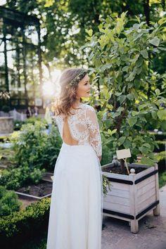 Traumhaftes Hochzeitskleid mit langen Spitzenärmeln. Auf Etsy.