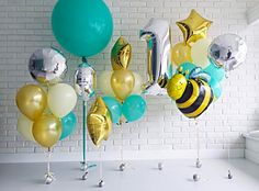 The fantatic party bees,ballons...