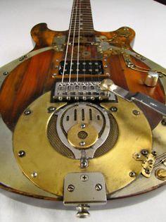 Steampunk guitar....I totally wanna play that!!