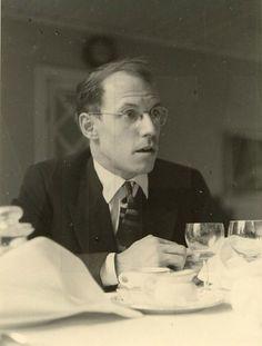 Michel Foucault: a mente mais brilhante do século XX [+32 livros para download gratuito]  O jovem Michel Foucault, uma das mentes mais brilhantes do século XX. Michel Foucault é um dos maiores