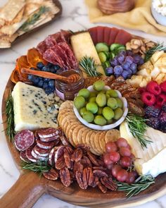 This one's a classic layout. Tutorial coming soon. In the meantime, if you could reach out and grab one item off this… Charcuterie Recipes, Charcuterie And Cheese Board, Cheese Boards, Party Food Platters, Good Food, Yummy Food, Appetisers, Food Presentation, Appetizer Recipes