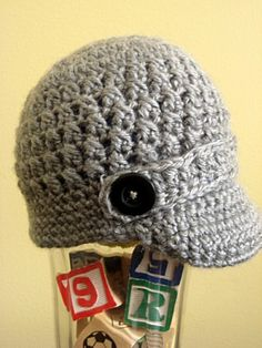 Crochet Newsboy Baby Hat. I so want this for Paisley.... Mom.... you knoooww you want to make this for her.