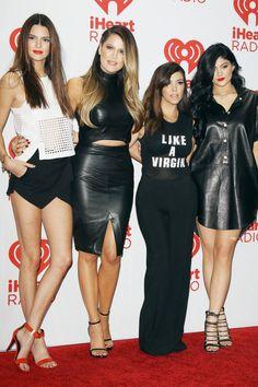 Kendall Jenner with her famous sisters Kylie Jenner, Khloe & Kourtney Kardashian. Kylie Jenner Style, Kendall Jenner Outfits, Kendall And Kylie Jenner, Kylie Koko, Kim Kardashian, Kardashian Family, Kardashian Fashion, Jenner Girls, Jenner Sisters