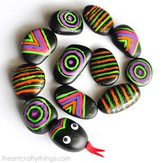 This patterned rocks snake craft is like a busy bag and craft rolled into one. Kids will love learning and getting creative with patterns making a snake.