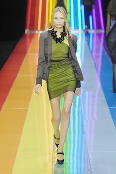 See the complete Karl Lagerfeld Spring 2008 Ready-to-Wear collection.