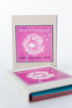 Geschenk für Erzieher - persönliche Erinnerung an jedes Kind. Ein kurzer Steckbrief wird ausgefüllt, ein Bild gemalt und in dem Umschlag können kleine Geschenke gemacht werden. 3 in 1 sozusagen ;)