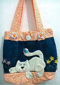 27 ideas for patchwork quilting bag fabrics Patchwork Bags, Quilted Bag, Patchwork Quilting, Crazy Patchwork, Jean Purses, Purses And Bags, Bag Quilt, Hand Quilting Patterns, Denim Handbags