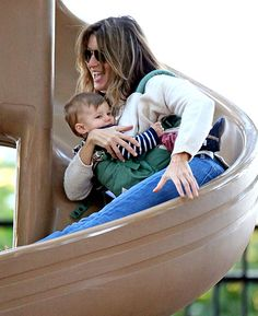 Gisele and daughter Vivian hit a Boston playground Oct. 20.
