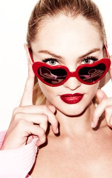 CANDICE SWANEPOEL SPORTING RED SUNGLASSES❤