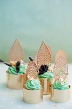 Golden Forest – eine magische Reise in eine inspirierende Hochzeitswelt Mayra Franco Photography http://www.hochzeitswahn.de/hochzeitstrends/golden-forest-eine-magische-reise-in-eine-inspirierende-hochzeitswelt/ #inspiration #wedding #shoes