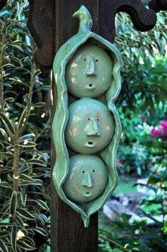keramische Dekoration im Garten