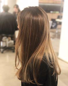 Pin by Ara on Ideas color de pelo in 2020 Beauté Blonde, Brown Blonde Hair, Light Brown Hair, Light Brunette Hair, Natural Brown Hair, Cut My Hair, Hair Cuts, Cabelo Inspo, Balayage Long Hair