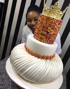 Adorable African Wedding Cake Ideas That You Will Love For Your Inspirations - How to plan an African Inspired Wedding on a Budget Many African American couples like the idea of incorporating their heritage into their wedding nup. African Wedding Cakes, African Wedding Theme, African Wedding Attire, African Theme, African Weddings, Ghana Traditional Wedding, African Traditional Wedding Dress, Traditional Cakes, African Cake