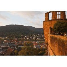 Aussichtsterrasse Stückgarten mit Besuchern und Dicker Turm, Heidelberger Schloss mit Blick auf den Neckar, al Fototapete online bestellbar, Merian, Fotograf: A. F. Selbach