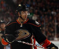 Andrew Cogliano Anaheim Ducks, Hockey Players, Nhl, Gentleman, Baseball Cards, Sports, Hs Sports, Gentleman Style, Sport