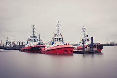 Schlepper Flotte im Hamburger Hafen