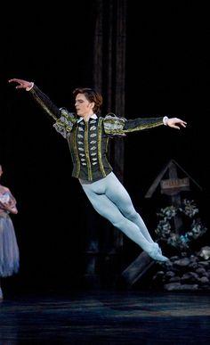 Birmingham Royal Ballet - Giselle; Joseph Caley as Albrecht; photo: Bill Cooper