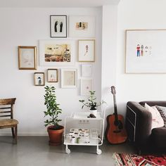 Visiting @pintameldia in her home studio today. ✨