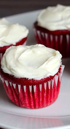 Skinny Mini Red Velvet Cupcakes less than 150 calories for 3 cupcakes