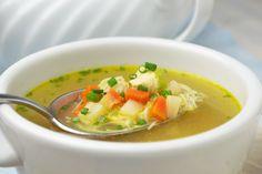 Diese #Hühnersuppe schmeckt köstlich und stärkt das Immunsystem. Ein #Rezept aus Omas Küche.