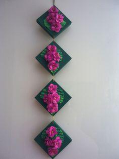 Tampas de MDF com rosa chorão. EVA
