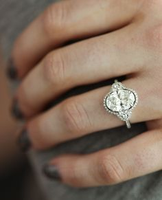 Love this gorgeous, timeless engagement ring!
