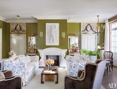 See the work of London decorator Nicky Haslam both abroad and Stateside Living Room Green, Gold Living Room, Bedroom Colour Schemes Green, Green Wall Color, Green Rooms, Bedroom Color Schemes, Green Walls Living Room, Green Bedroom Colors, Traditional Living Room