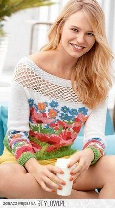 Женский пуловер вязаный с цветочными мотивами спицами |…