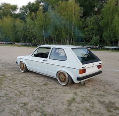 Classic Car News Pics And Videos From Around The World Volkswagen Golf Mk1, Vw Mk1, Fast Cars, Sport Cars, Cars And Motorcycles, Dream Cars, Classic Cars, Automobile, Golf 1