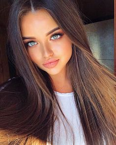 Simple Natural Makeup Looks Idea 2019 - Page 15 of 24 - ToMyFashion Most Beautiful Faces, Gorgeous Eyes, Pretty Eyes, Perfect Eyes, Gorgeous Body, Beautiful Beautiful, Girl Face, Woman Face, Brunette Beauty