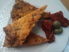 Torta salata con Pomodori secchi e olive verdi