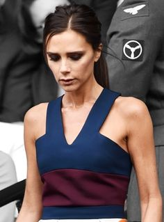 Victoria Beckham NAILED IT in this colorblocked outfit.