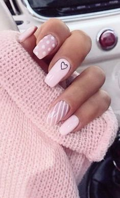 Make an original manicure for Valentine's Day - My Nails Best Nail Art Designs, Simple Nail Designs, Acrylic Nail Designs, Winter Nails, Spring Nails, Winter Nail Colors, Nail Prices, Nagellack Trends, Trim Nails
