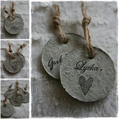 Cement Jewelry, Papercrete, Beton Diy, Concrete Projects, Dyi, Gift Tags, Dog Tag Necklace, Arts And Crafts, Wrapping